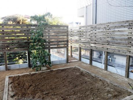 木製フェンスと菜園|埼玉県熊谷市 I様邸の外構、エクステリア、植栽工事