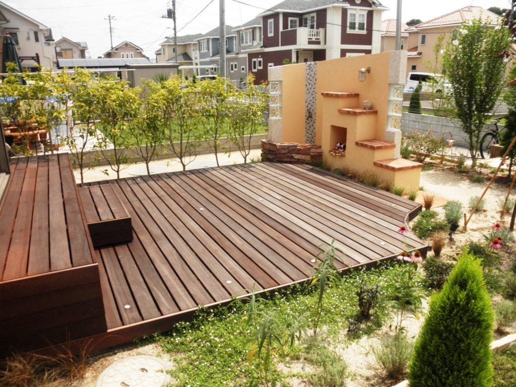 低床ウリンデッキのプライベートガーデン|埼玉県川越市 K様の外構、エクステリア、植栽工事