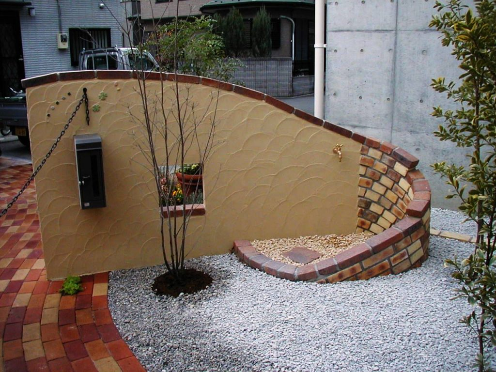 化粧門塀の背面を使った水栓|埼玉県秩父市 H様邸の外構、エクステリア、植栽工事