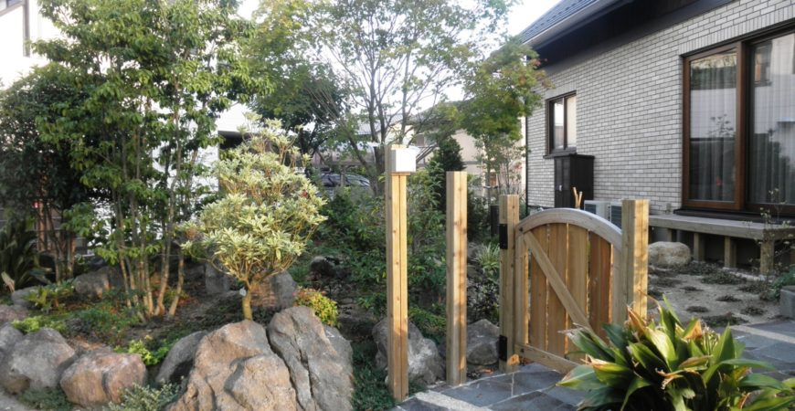 ロックガーデン 洋から和の流れに|埼玉県蓮田市 N様邸の外構、エクステリア、植栽工事
