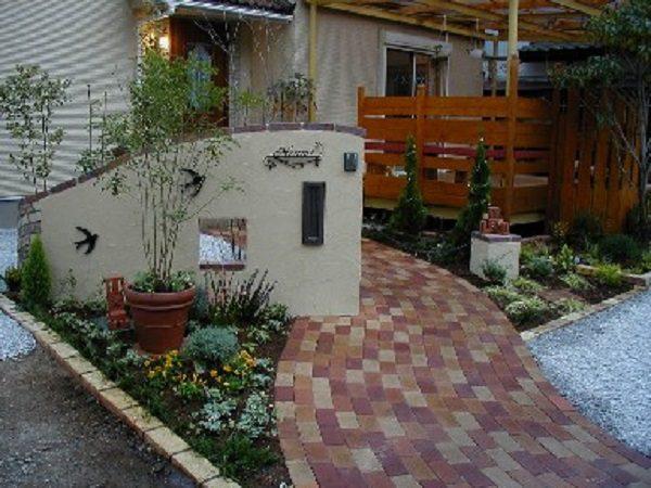 可愛らしいフロント・ガーデン|埼玉県秩父市のH様邸 外構、エクステリア、植栽工事