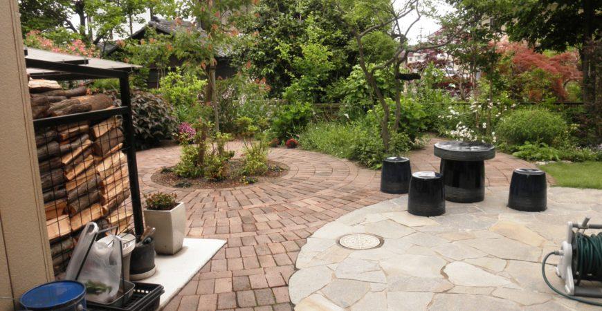 和洋併せ持つ雑木の庭 レンガと石材を使って|埼玉県さ東松山市 A様邸の外構、エクステリア、植栽工事