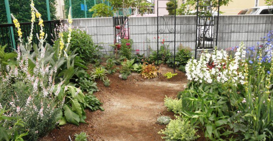 ガーデン造成 宿根草の庭|埼玉県深谷市 M様の造成、植栽工事