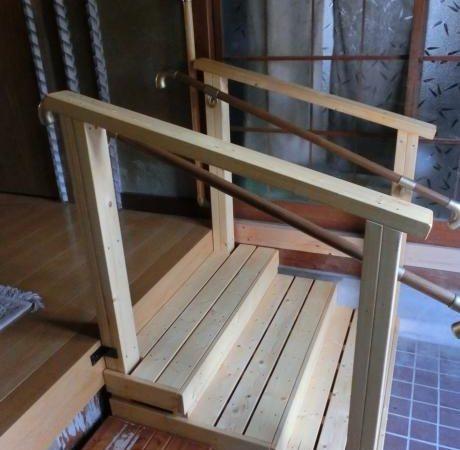 段差解消用手すり付ステップ|埼玉県深谷市 S様邸の福祉住環境整備