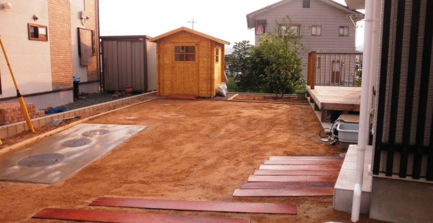 木製バイクハウスのある庭|秩父郡横瀬町 O様邸の外構、植栽工事