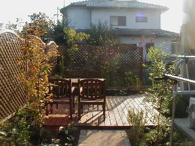 天然木のアウトドア・リビング|埼玉県熊谷市のS様邸 エクステリア、植栽工事