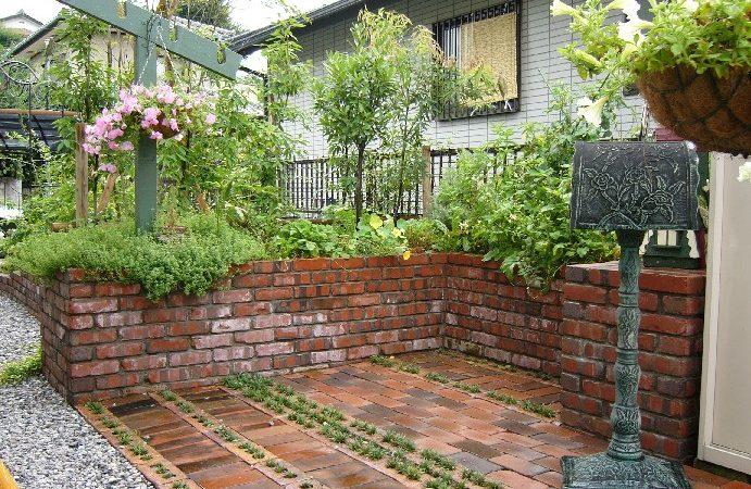 レンガ造りのキッチン・ガーデン|埼玉県秩父市のO様邸 外構、エクステリア、植栽工事