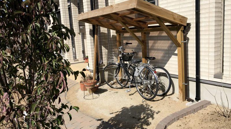 お庭に合わせて作る木製サイクルポートⅡ|埼玉県秩父市S様邸のエクステリア、植栽工事