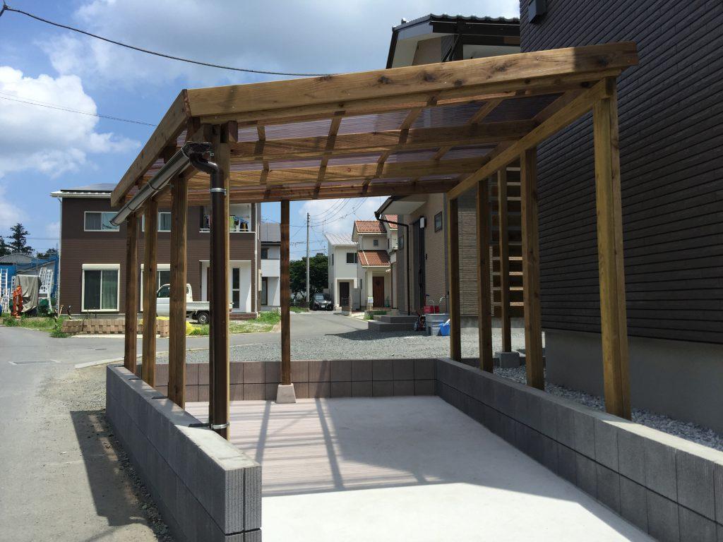 お庭に合わせて作る木製サイクルポート|埼玉県秩父市Y様邸のエクステリア、外構、植栽工事