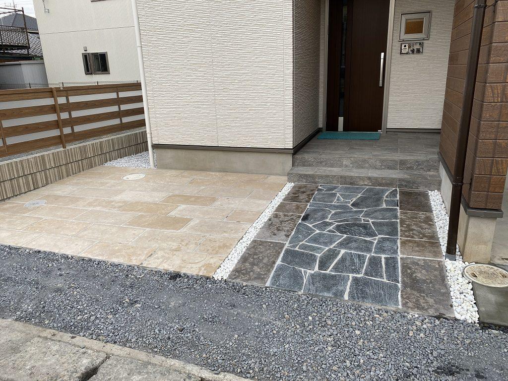 天然石を敷き詰めたエントランス|埼玉県秩父市のS様邸にて外構工事